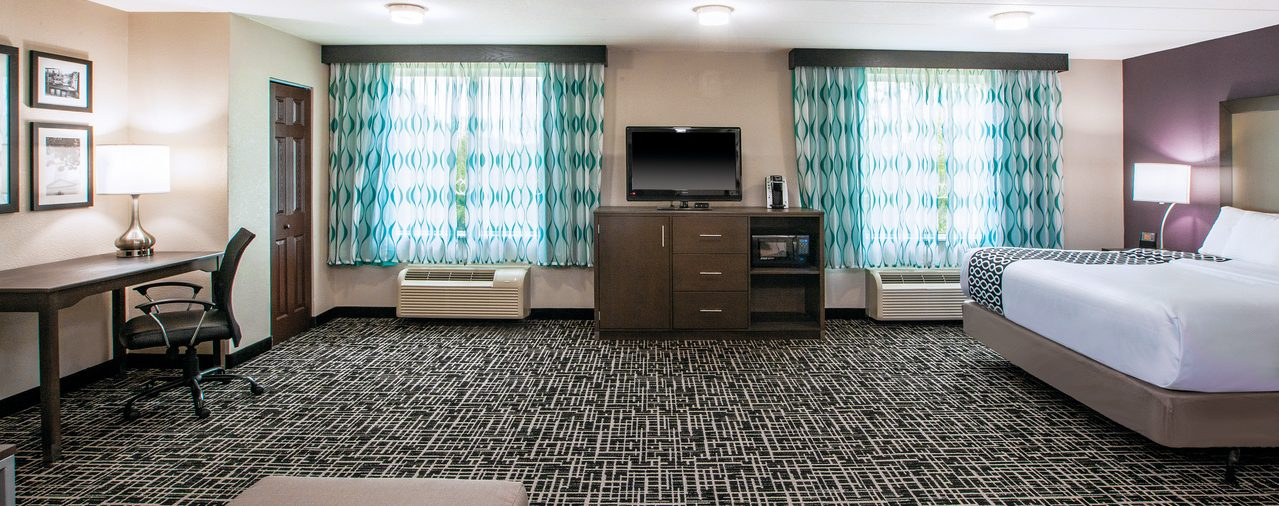 one bed suite at La Quinta Inn & Suites Sturbridge