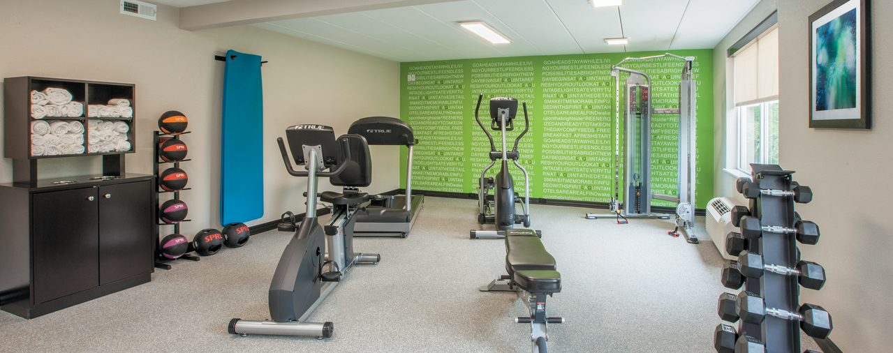 fitnes center at La Quinta Inn & Suites Sturbridge